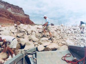 Trash Tracker cleaning up Lake Powell shoreline